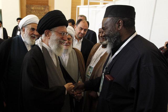 Khamenei dénonce la répression policière contre les Noirs aux Etats-Unis