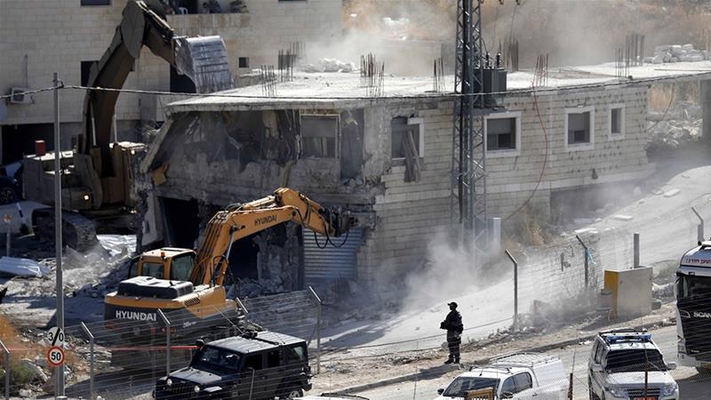 En violation du droit international et des Accords d'Oslo, Israël détruit des maisons palestiniennes sur les territoires occupés en 1967 dans - DISCRIMINATION - SEGREGATION - APARTHEID - RACISME - FASCISME