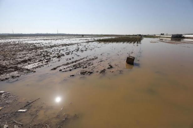 israel floods gaza