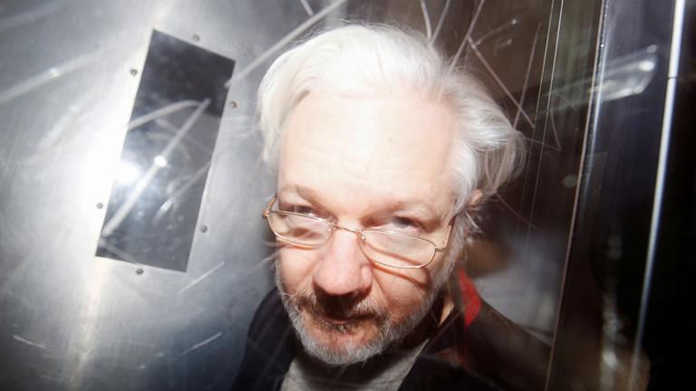 Julian Assange mourra-t-il en prison, où le coronavirus fait rage ?