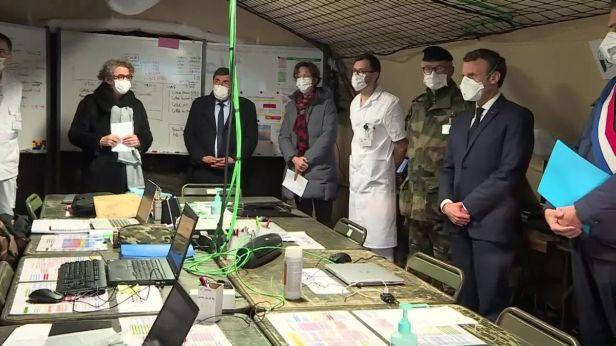 19h_desk_visite_macron_h_pital_militaire_de_campagne_mulhouse-00_00_26_15-4721144