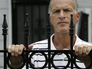 Norman Finkelstein : les négationnistes ne doivent pas être privés de liberté d'expression